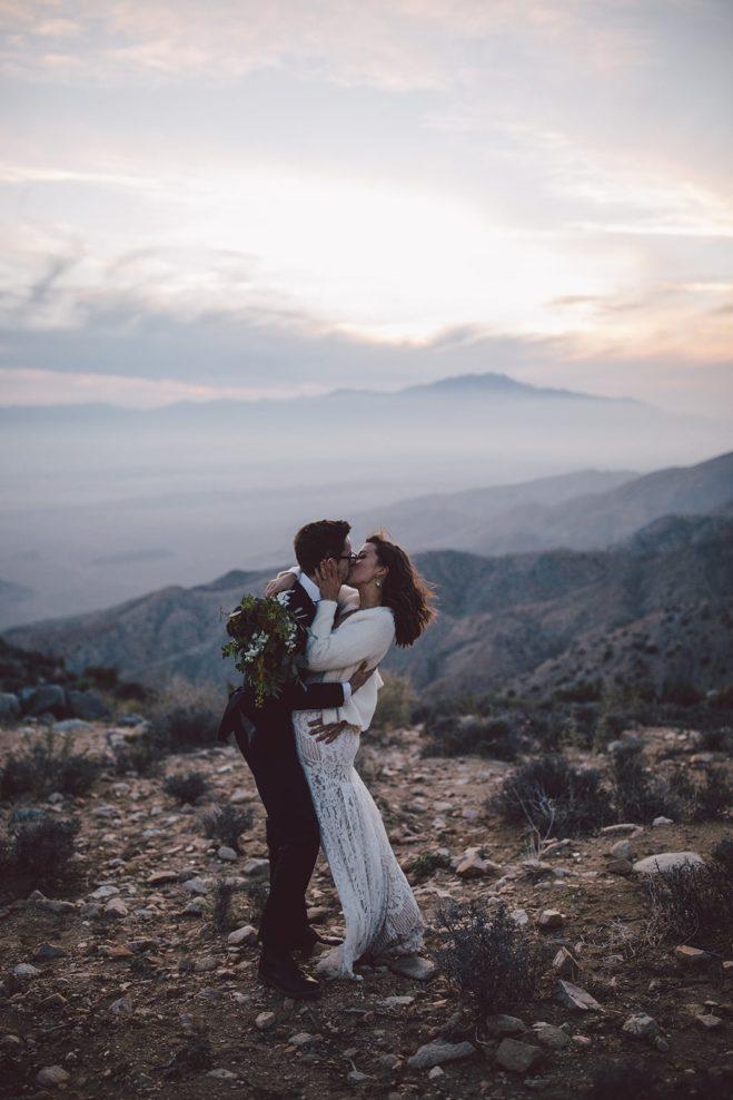 beautiful joshua tree sunset elopement couple kissing