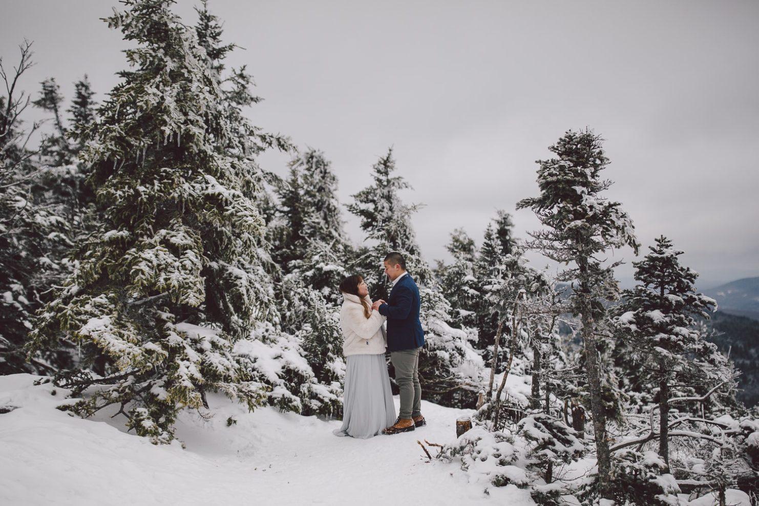 winter wonderland washington state mt rainier adventure elopement